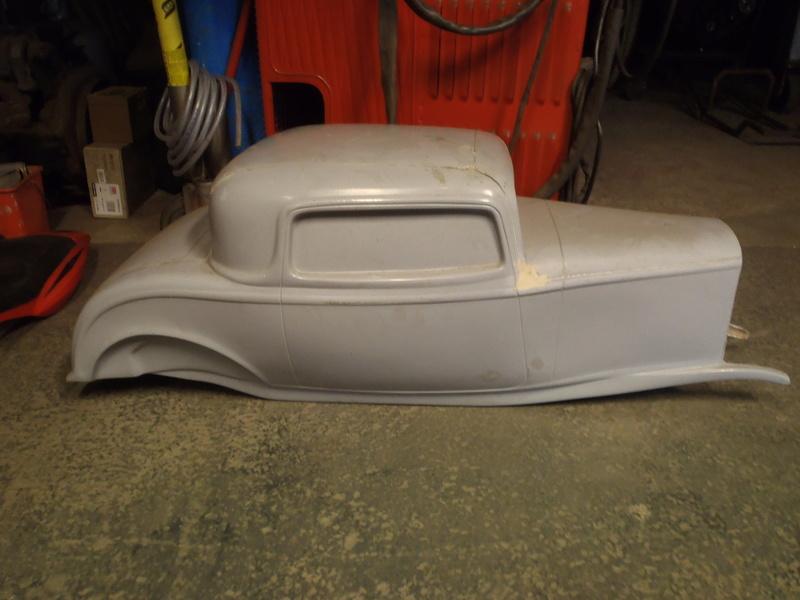 Recherche Coque mini rod ford  00210