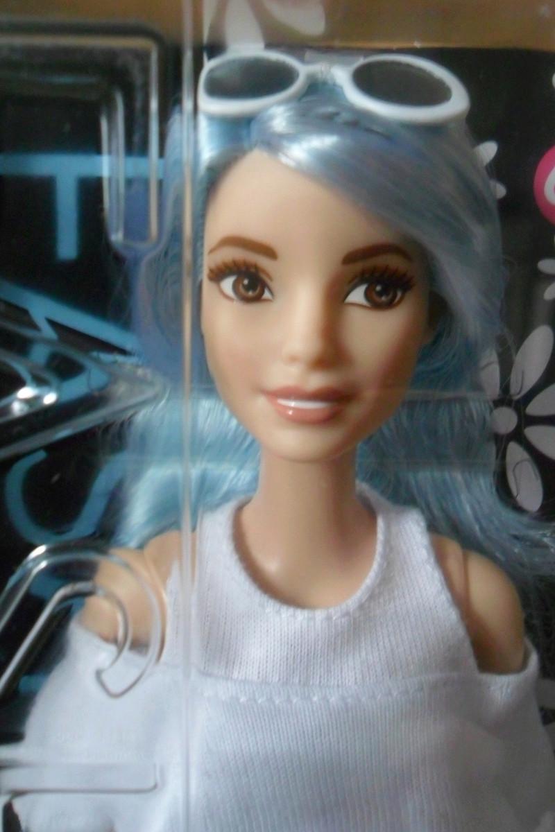 Mon premier amour poupesque : Barbie (Marni Senofonte, X Files et fashionistas) - Page 4 Sam_5710