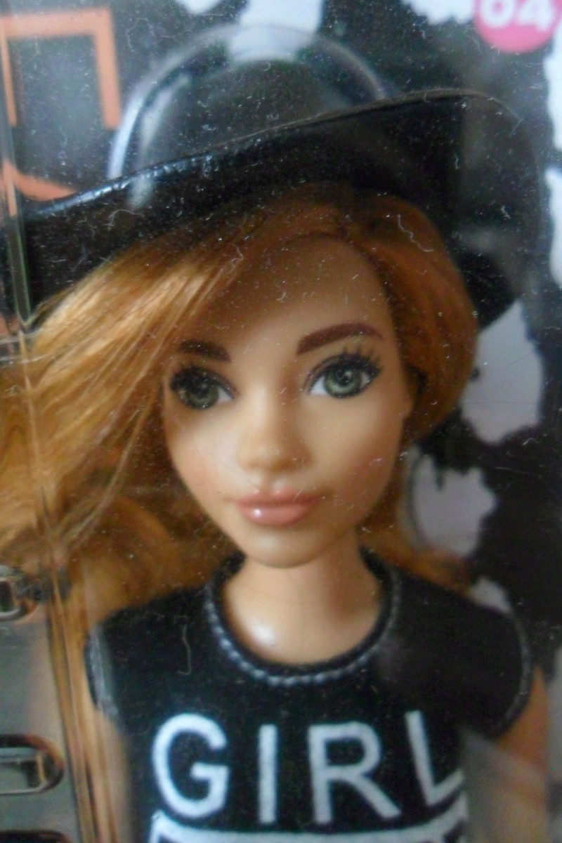 Mon premier amour poupesque : Barbie (Marni Senofonte, X Files et fashionistas) - Page 4 Sam_5719