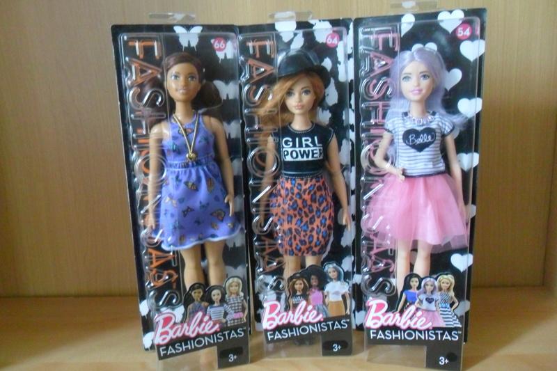 Mon premier amour poupesque : Barbie (Marni Senofonte, X Files et fashionistas) - Page 4 Sam_5720