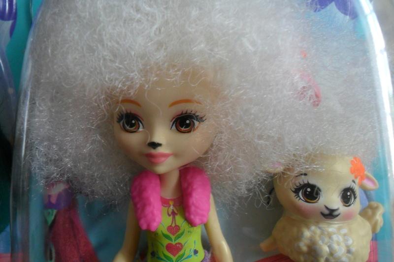 Mon premier amour poupesque : Barbie (Marni Senofonte, X Files et fashionistas) - Page 4 Sam_5723