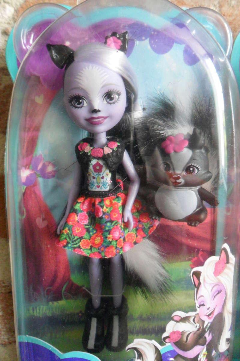 Mon premier amour poupesque : Barbie (Marni Senofonte, X Files et fashionistas) - Page 4 Sam_5724