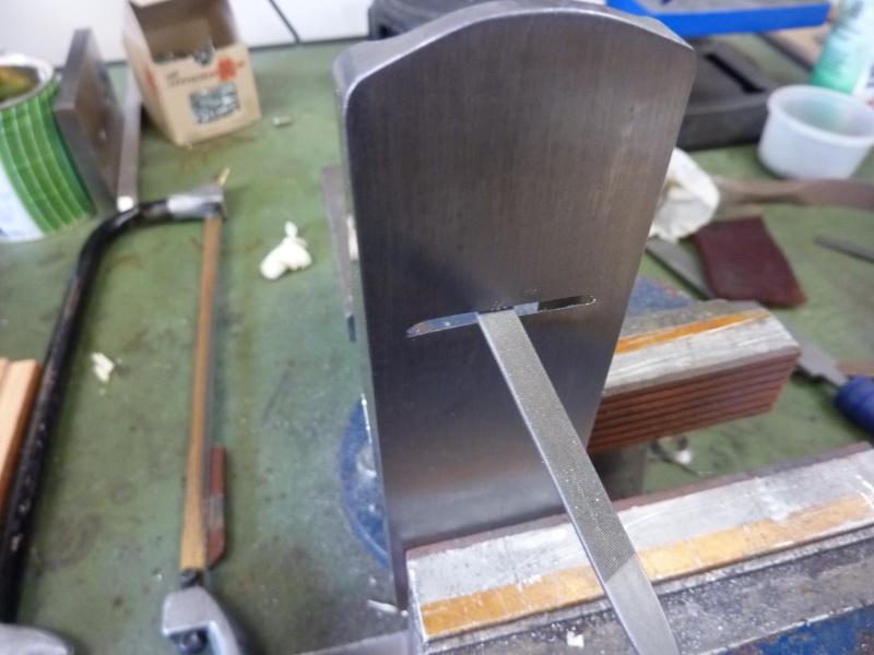 Mes créations de rabots en métal !! P1030128