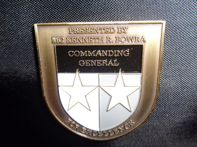 Myzone's thread of challenge coins - OEF OIF -  Dsc08513