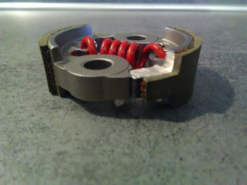 Embrayage allégé et support ventilé spécial 32cc Img_2010