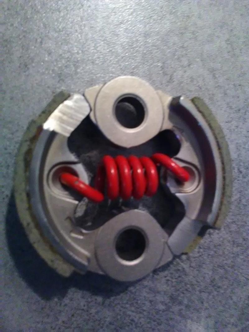 Embrayage allégé et support ventilé spécial 32cc Img_2011
