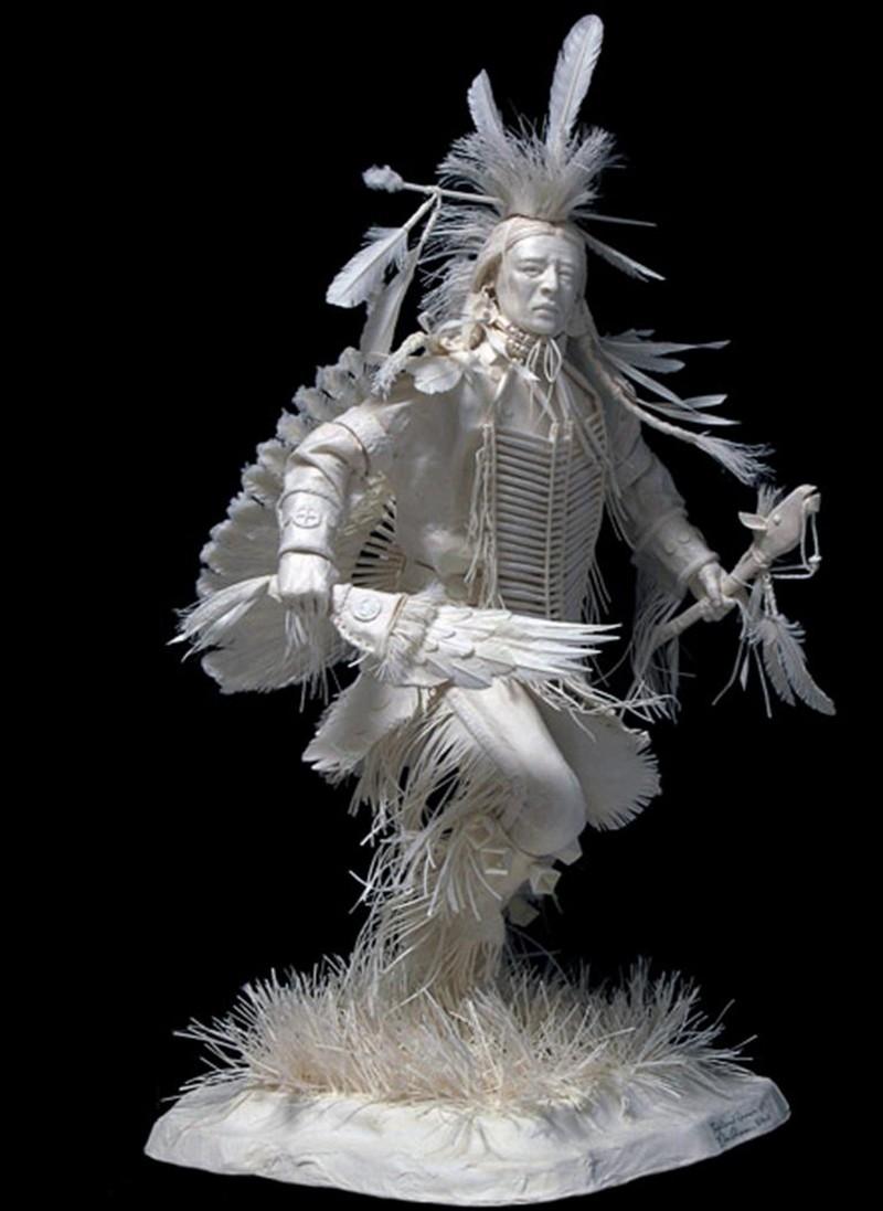 Scènes amérindiennes  : sculptures en papier Captu181