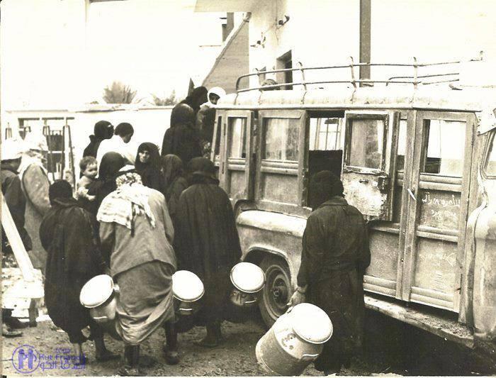 صورة قديمه لـسيارة نقل الركاب في البصرة تسمى  بــ  ( الدريول ) Eu_iao10