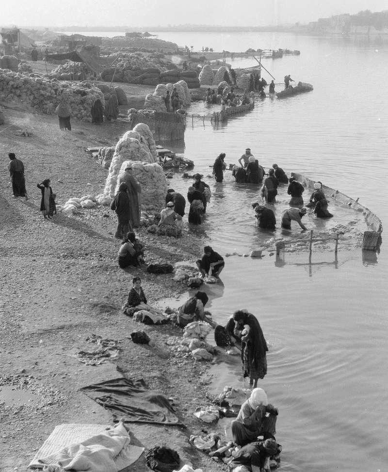غسل الصوف في نهر دجلة O_oeui10