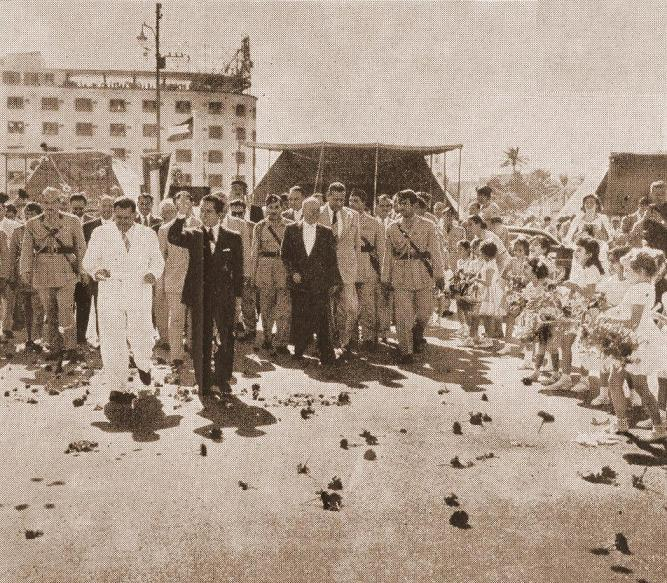 الملك فيصل الثاني يفتتح شارع الملكة عالية ( الجمهورية) Oood_i10