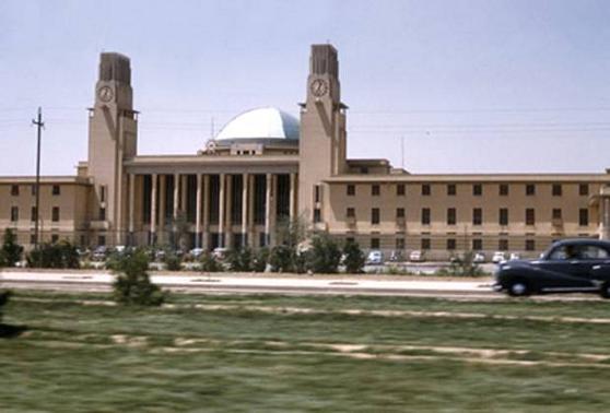 وضع الحجر الاساس لبناية المحطة العالمية للسكك الحديد في عام 1948 U_o_o_10