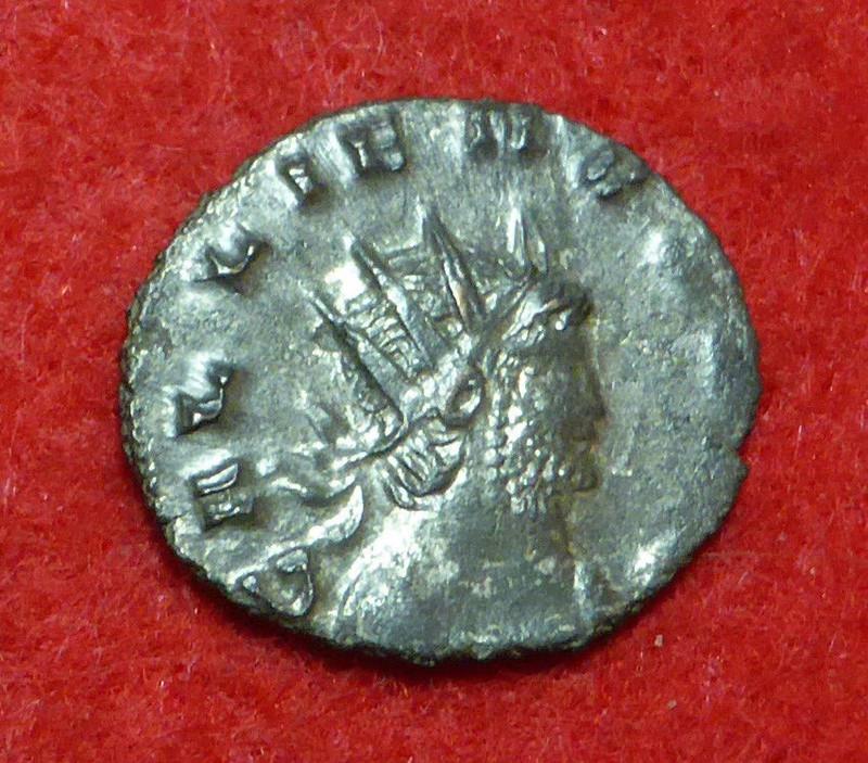 A strange bust of Gallienus _5710