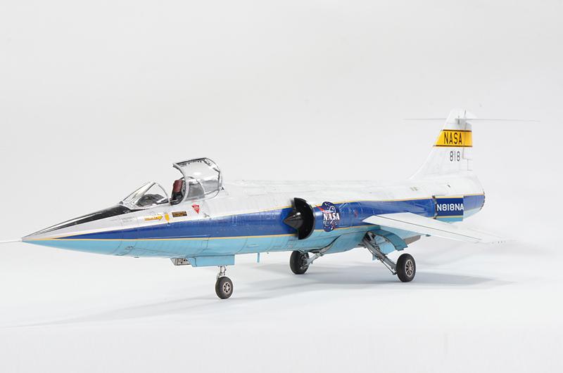 NASA F104 - Italeri Dsc01218