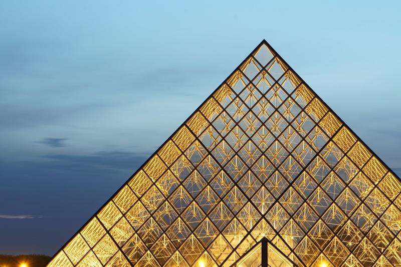 Pyramides du Louvres 2 Dsc01612