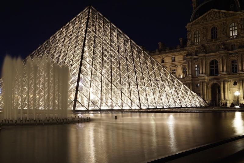 Pyramides du Louvres 2 Dsc01614
