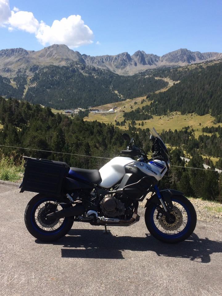 Vos plus belles photos de moto - Page 14 20768110