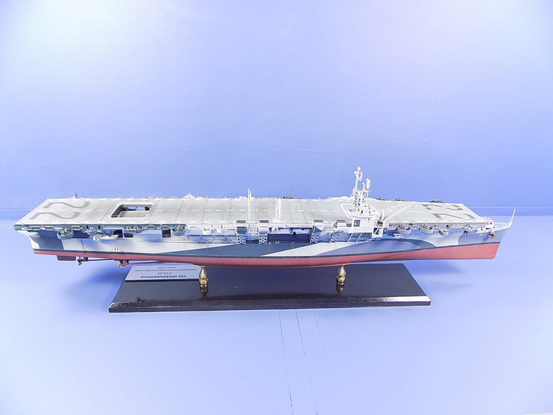 USS INDEPENDENCE CVL22 DRAGON 1/350 - Page 7 Dscn0526