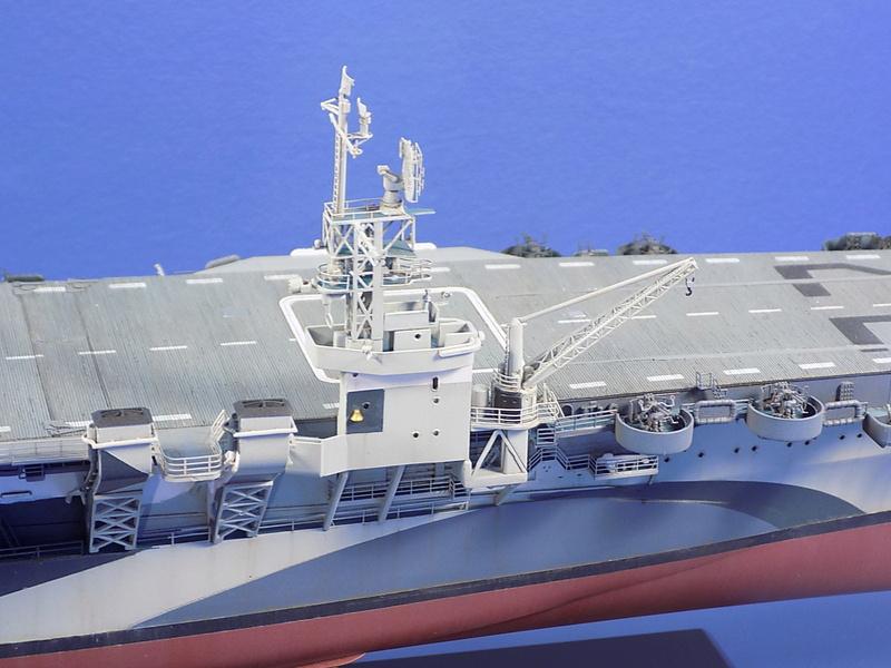 USS INDEPENDENCE CVL22 DRAGON 1/350 - Page 7 Dscn0532
