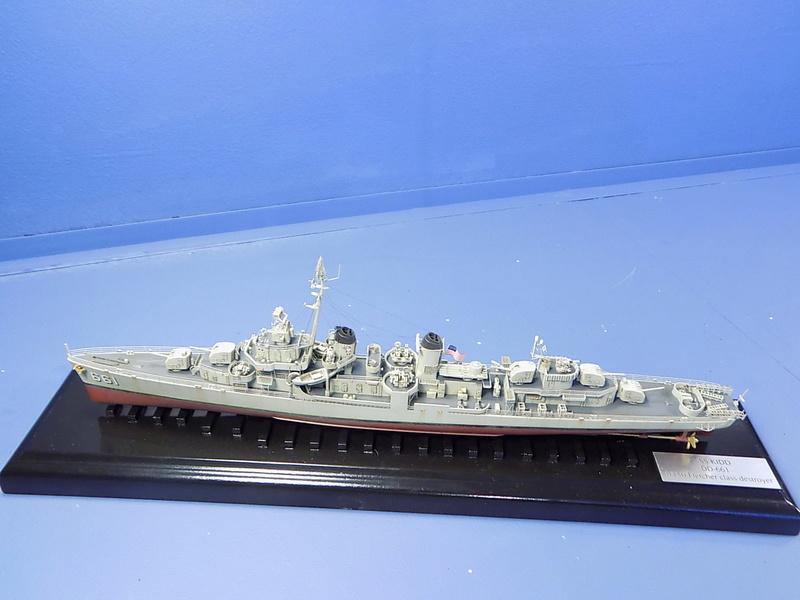 USS KIDD Fletcher Class Destroyer DD-661 Trumpeter 1/350 Dscn0831