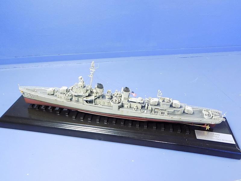 USS KIDD Fletcher Class Destroyer DD-661 Trumpeter 1/350 Dscn0832