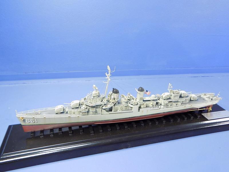USS KIDD Fletcher Class Destroyer DD-661 Trumpeter 1/350 Dscn0833