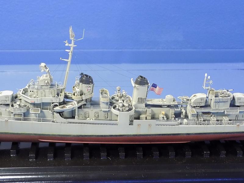 USS KIDD Fletcher Class Destroyer DD-661 Trumpeter 1/350 Dscn0834