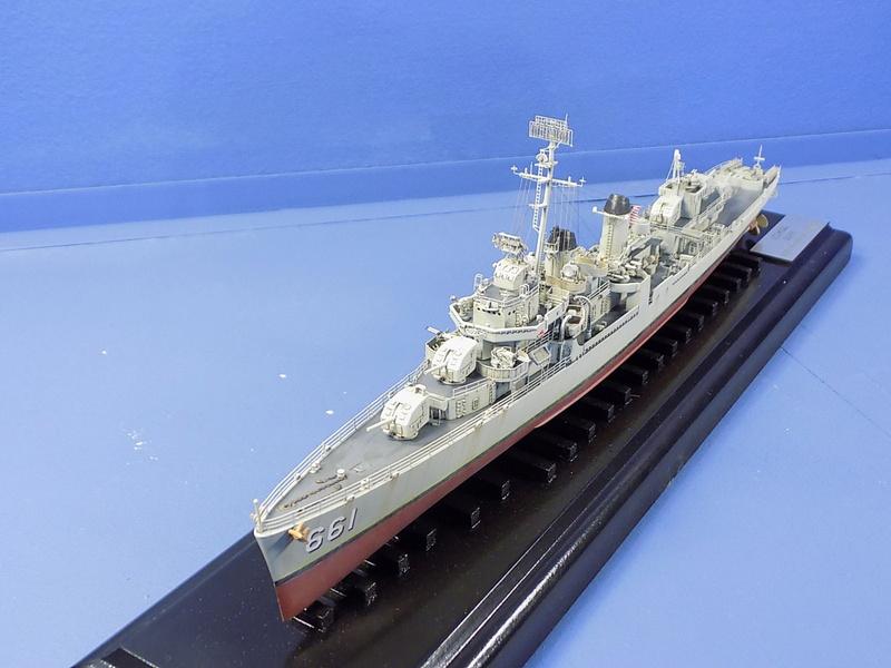 USS KIDD Fletcher Class Destroyer DD-661 Trumpeter 1/350 Dscn0837
