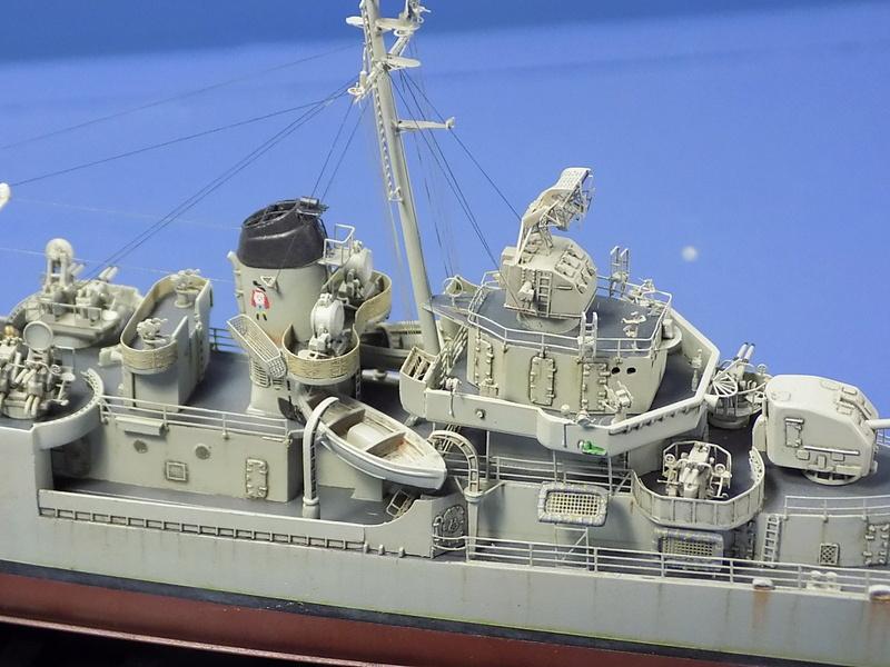 USS KIDD Fletcher Class Destroyer DD-661 Trumpeter 1/350 Dscn0842