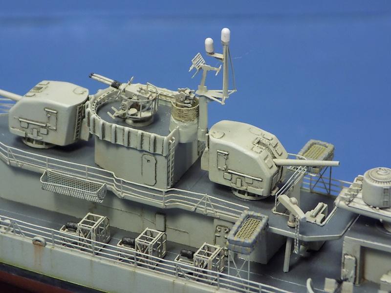USS KIDD Fletcher Class Destroyer DD-661 Trumpeter 1/350 Dscn0845