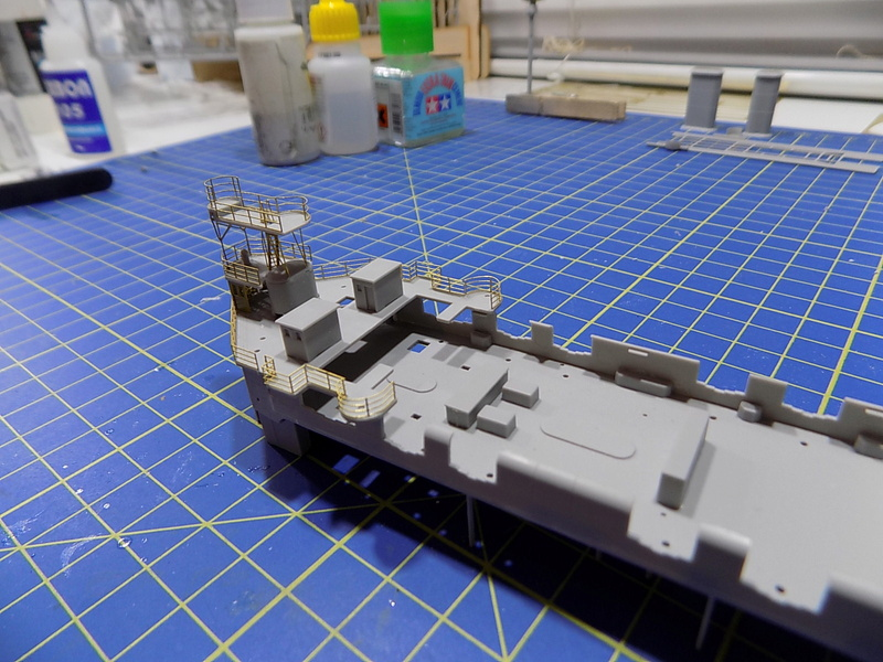 HMS LORD NELSON Hobbyboss 1/350ème - Page 2 Dscn0924