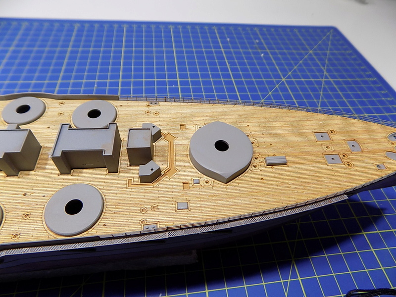 HMS LORD NELSON Hobbyboss 1/350ème - Page 2 Dscn0936