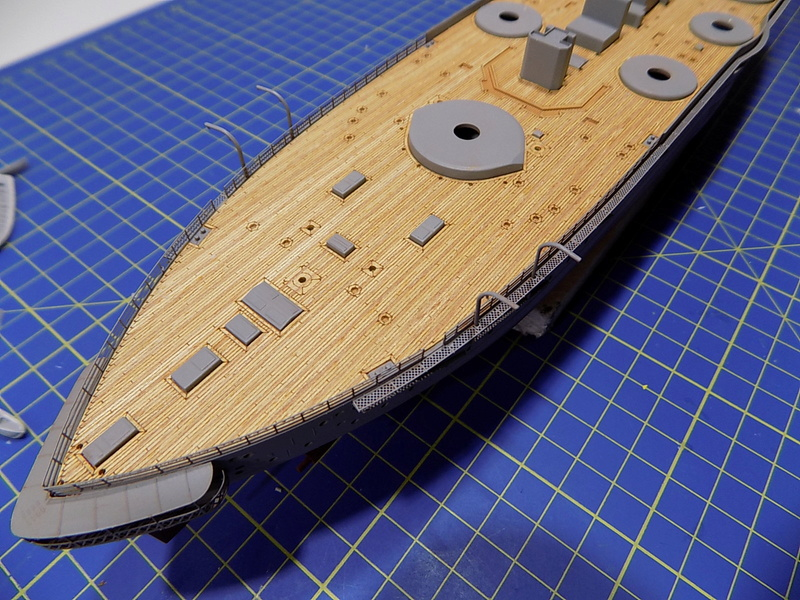 HMS LORD NELSON Hobbyboss 1/350ème - Page 2 Dscn0937