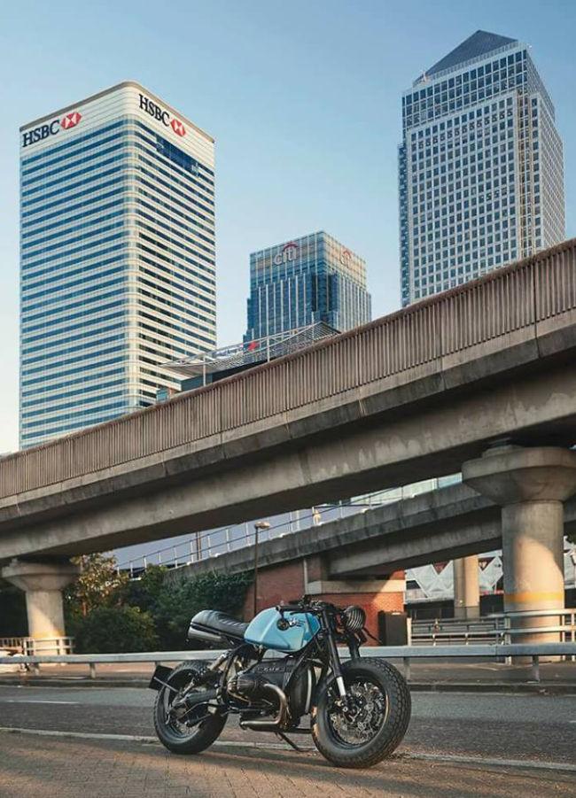 C'est ici qu'on met les bien molles....BMW Café Racer - Page 5 212