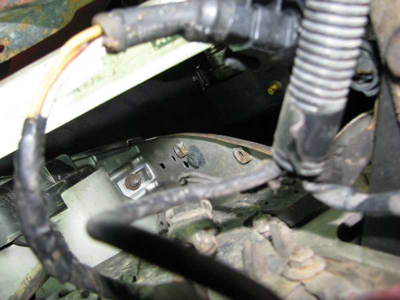 [résolu] capot moteur bloqué 110