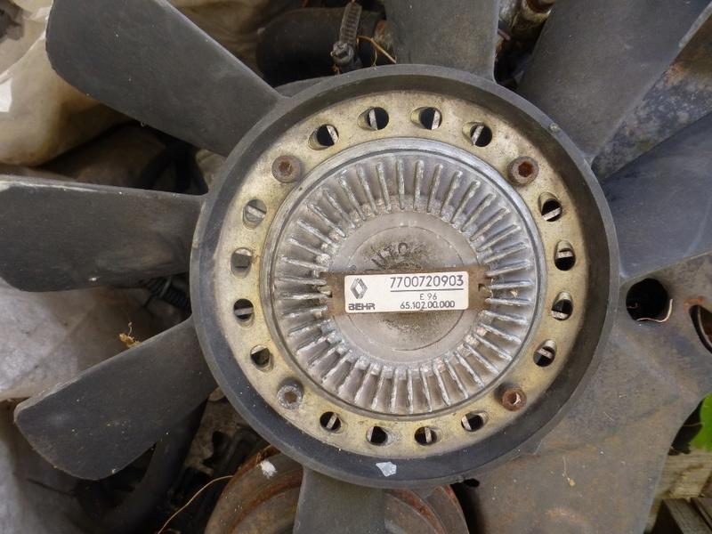 Pompe à eau moteur J8S 13_p1110