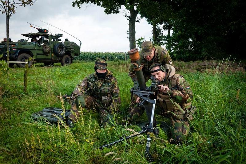 Armée Hollandaise/Armed forces of the Netherlands/Nederlandse krijgsmacht - Page 20 1049