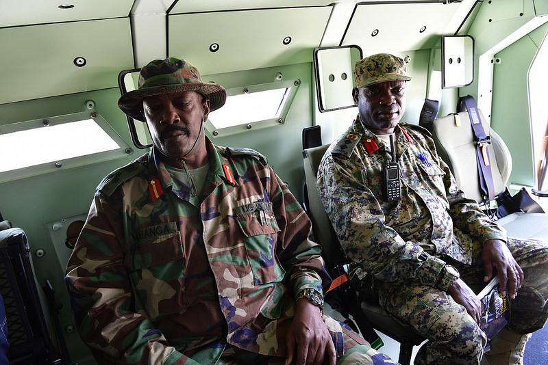 Armée Ougandaise/Uganda Peoples Defence Force (UPDF) - Page 5 1170