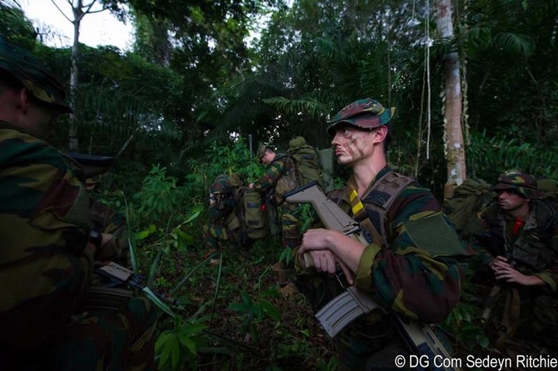 Armée Belge / Defensie van België / Belgian Army  - Page 12 1248