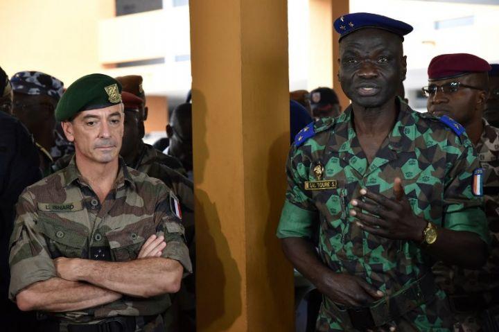 Les Forces de défense et de sécurité de Côte d'Ivoire - Page 5 1249