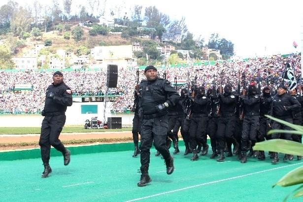 L'armée de Madagascar. - Page 3 1311