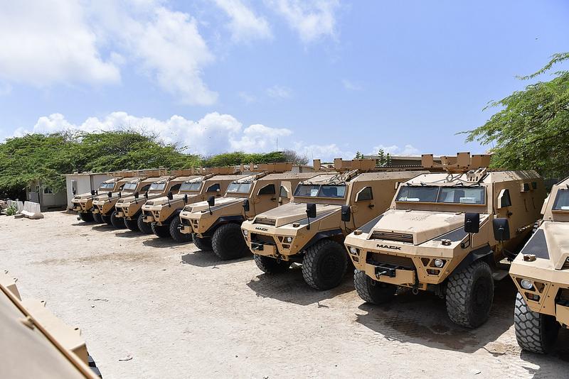 Armée Ougandaise/Uganda Peoples Defence Force (UPDF) - Page 5 1346
