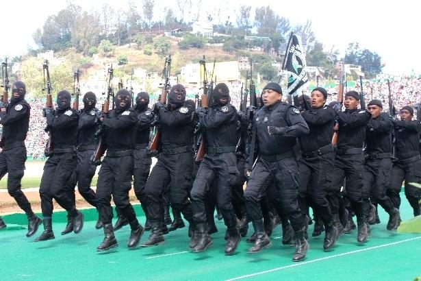 L'armée de Madagascar. - Page 3 1411