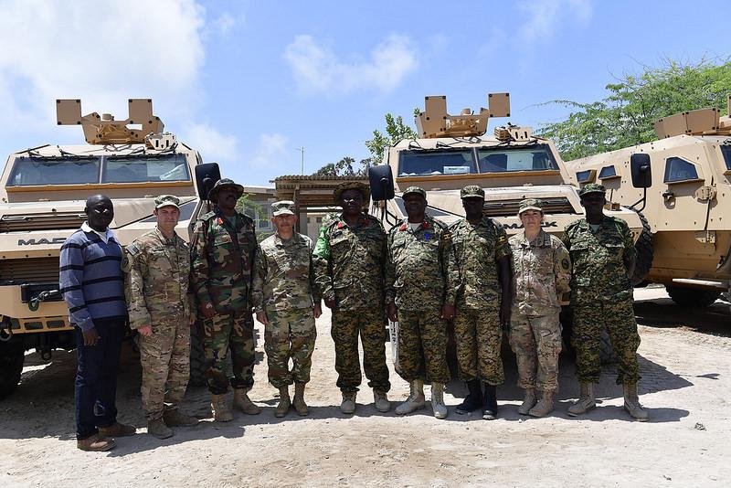Armée Ougandaise/Uganda Peoples Defence Force (UPDF) - Page 5 1543