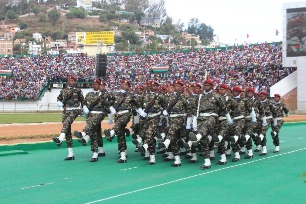 L'armée de Madagascar. - Page 3 1a10