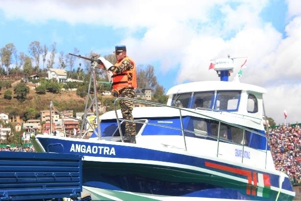 L'armée de Madagascar. - Page 3 2011