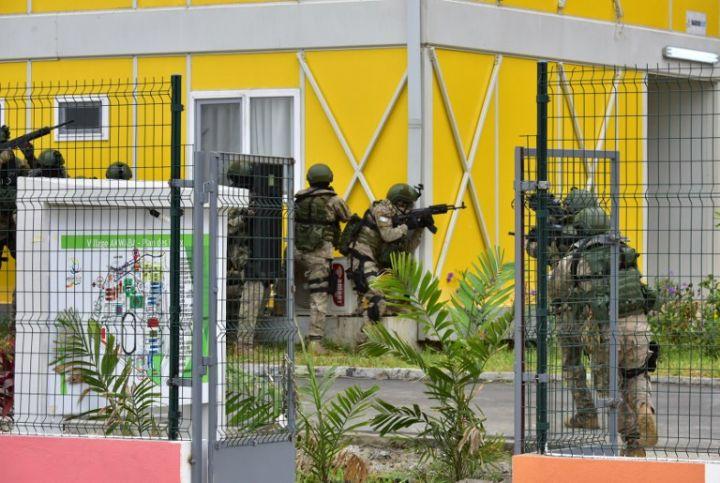 Les Forces de défense et de sécurité de Côte d'Ivoire - Page 5 2075