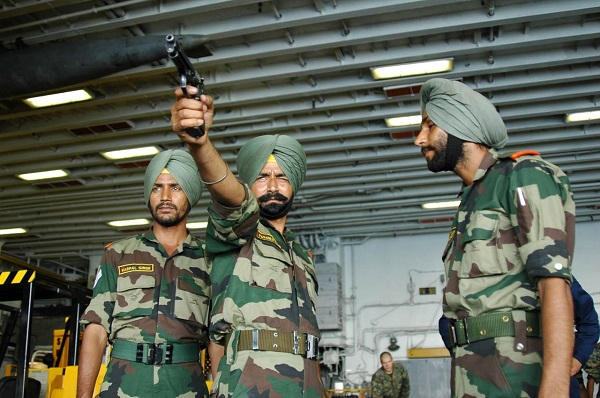 Armée Indienne / Indian Armed Forces - Page 21 22111