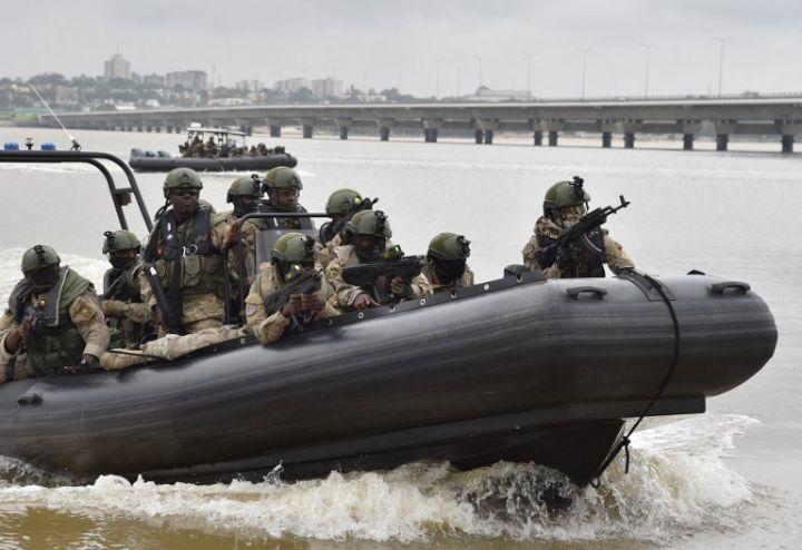 Les Forces de défense et de sécurité de Côte d'Ivoire - Page 5 22116