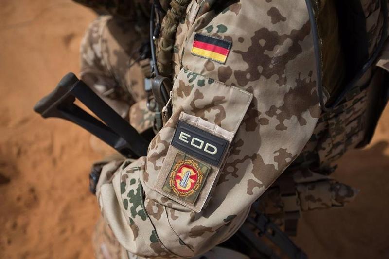 Armée Allemande (Bundeswehr) - Page 4 2524