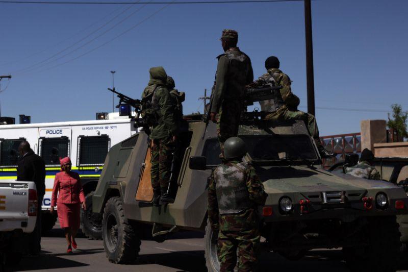 Les Forces de défense du Lesotho / Lesotho Defence Force 2553
